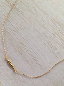gold feather minimal necklace
